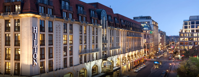 Hampton Hotel And Suites