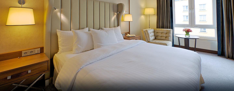 Hilton Zimmer mit King-Size-Bett