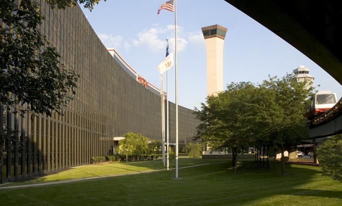Hilton Chicago O'Hare Airport - Exterior