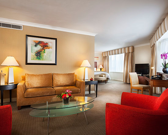 Conrad Dublin hotel, Irland - Deluxe Suite mit King-Size-Bett