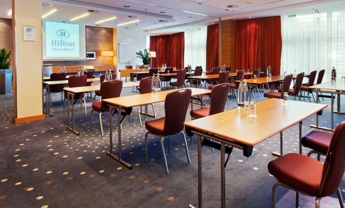 Hilton Düsseldorf, Deutschland – Meetingraum