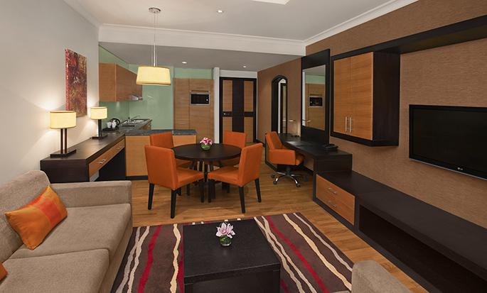 DoubleTree by Hilton Hotel Dubai - Al Barsha- Suite