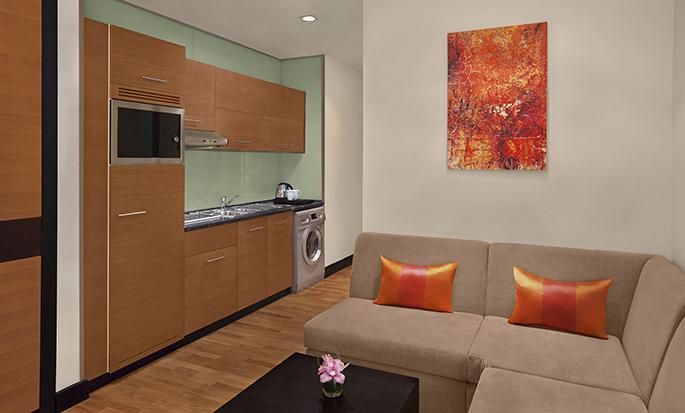 DoubleTree by Hilton Hotel Dubai - Al Barsha- Kitchen