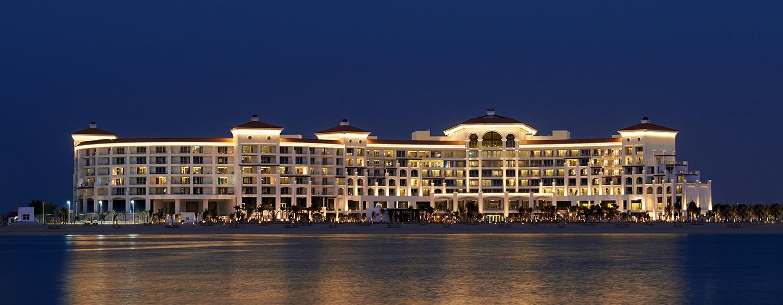 Willkommen im Waldorf Astoria Dubai Palm Jumeirah- mit dem schönen Ausblick bei Nacht