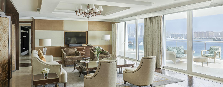 Entspannen Sie sich im großen Wohnzimmer der Präsidenten Suite