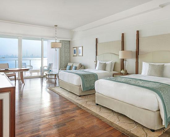 Waldorf Astoria Dubai Palm Jumeirah hotel, VAE - Deluxe Zimmer mit zwei Queen-Size-Betten und Meerblick