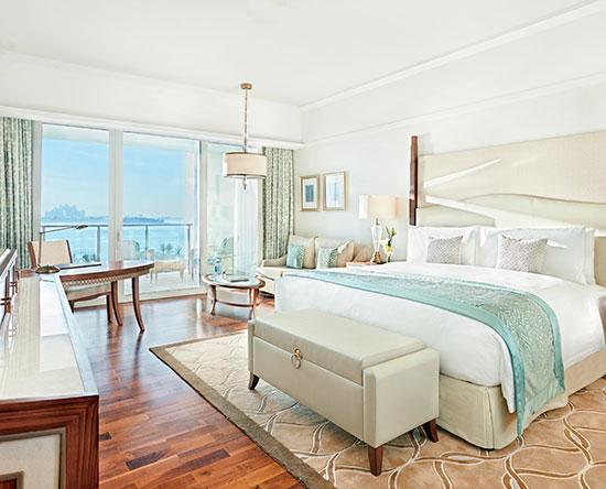 Waldorf Astoria Dubai Palm Jumeirah, VAE – Premier Zimmer mit Kingsize-Bett, Loungezugang und Ausblick