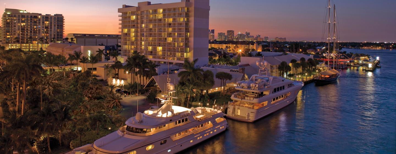 Das moderne Hotel befindet sich direkt am Yachthafen in Ford Lauderdale