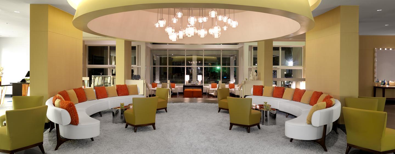 Die gemütlichen Sofas in der Lobby laden Sie zum verweilen ein