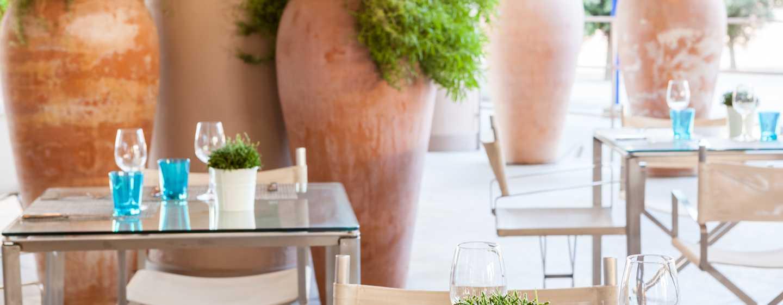 Hilton Garden Inn Florence Novoli Hotel, Italien – offene Gartenterrasse