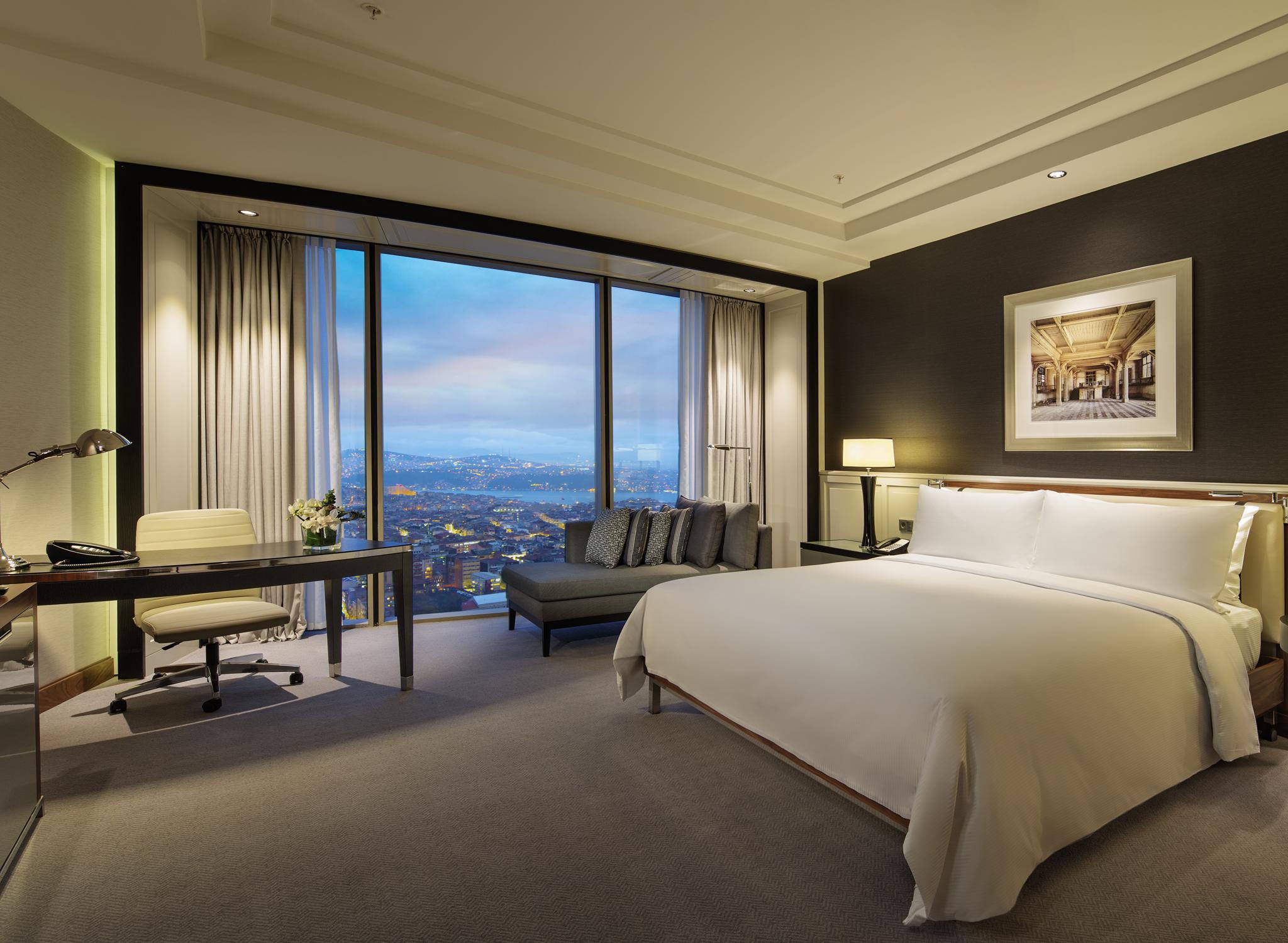 Deluxe Spa Hilton Hotel