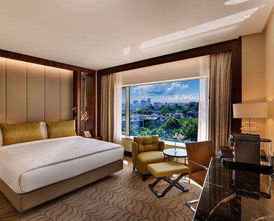 Conrad Istanbul Hotel, Türkei – Deluxe Zimmer mit King-Size-Bett und Parkblick