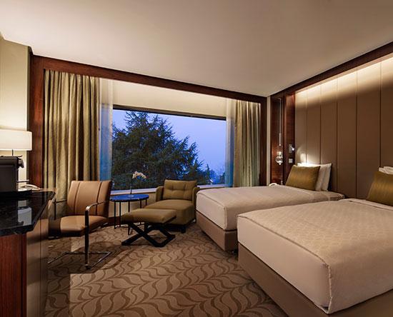 Conrad Istanbul Hotel, Türkei – Deluxe Zweibettzimmer mit Ausblick auf den Park