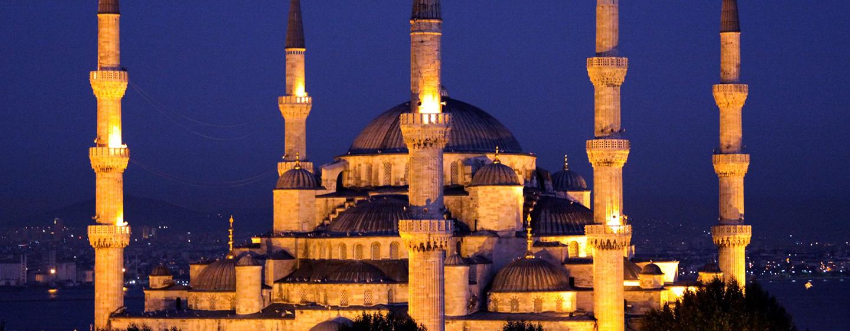 DoubleTree by Hilton Hotel Istanbul – Old Town, Türkei – Blaue Moschee bei Nacht