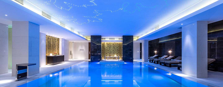 Hilton Kyiv, Ukraine – Beheizter Innenpool