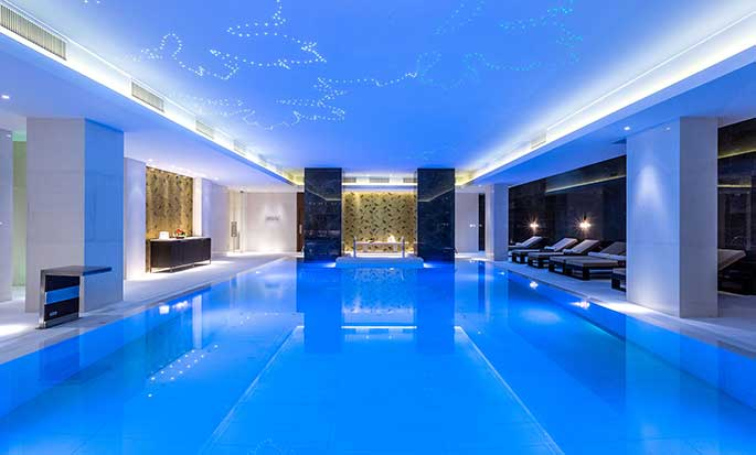 Hilton Kyiv Hotel, Ukraine – Swimmingpool