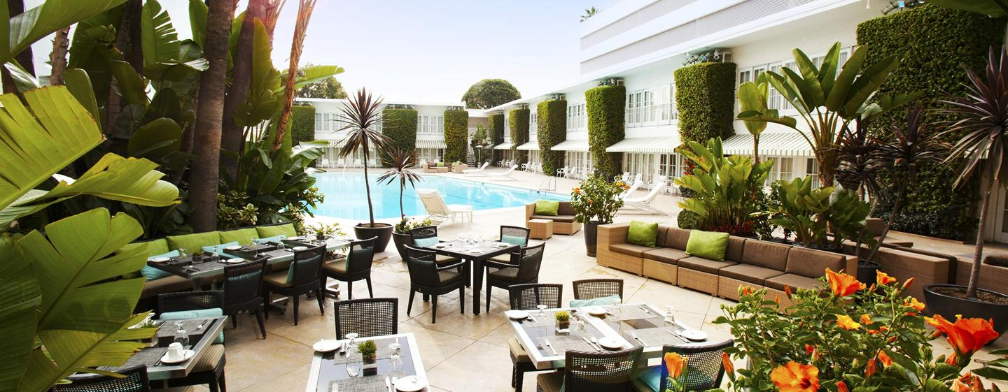 The Beverly Hilton - Am Swimmingpool