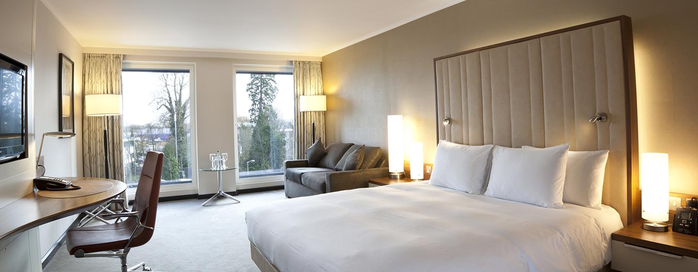 Für eine Reise mit Ihrer Familie, steht Ihnen ein großes Zimmer mit zusätzlichem Schlafbereich bereit