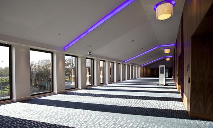 Hilton London Heathrow Airport Terminal 5 - Foyer