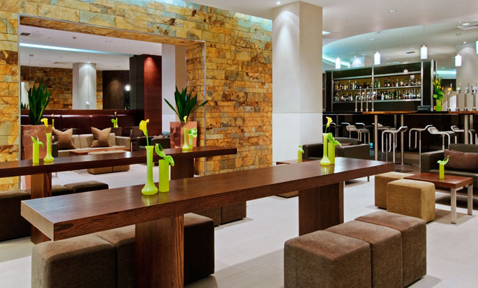 Hilton London Canary Wharf hotel, UK - Bar Cinnamon