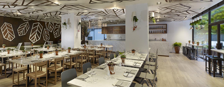 Im Urban Meadow Restaurant können Sie sich köstliche Gerichte servieren lassen