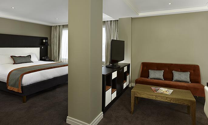 DoubleTree by Hilton Hyde Park hotel - King Junior Suite