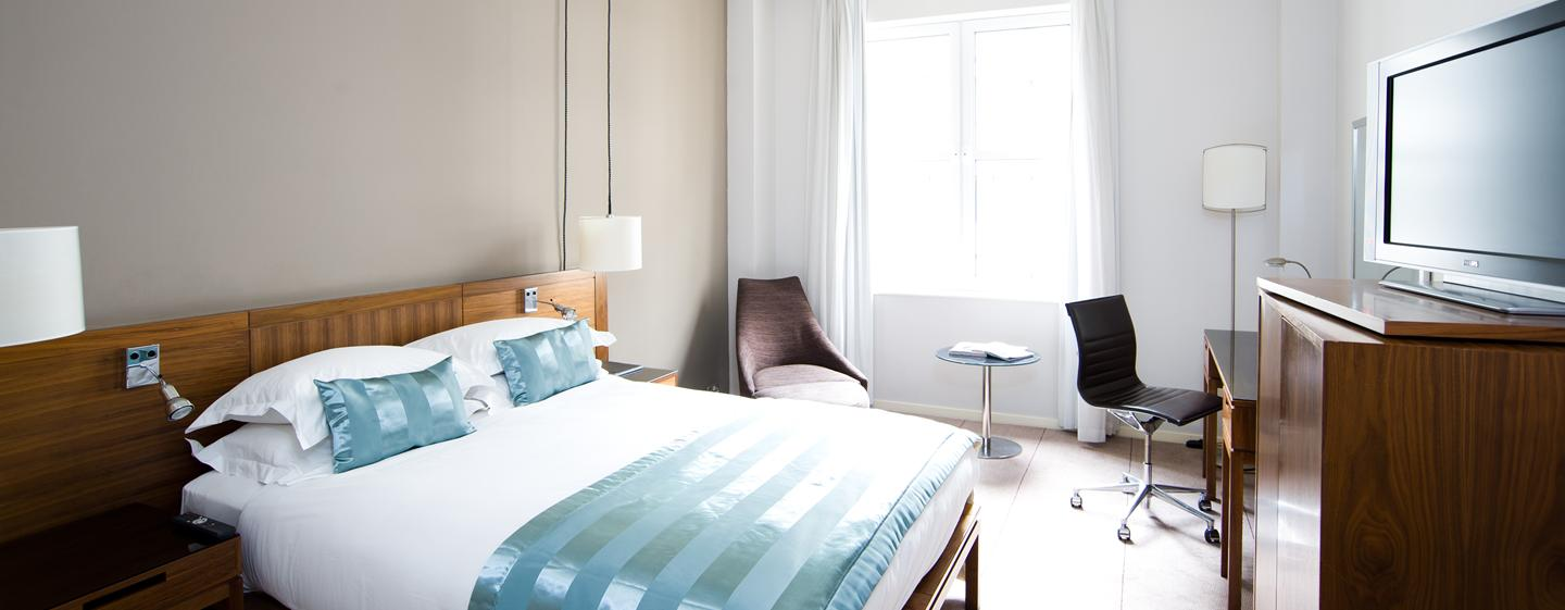 The Trafalgar London - Moderne Zimmer