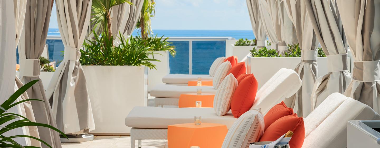 hilton cabana miami beach hotels am strand von miami. Black Bedroom Furniture Sets. Home Design Ideas