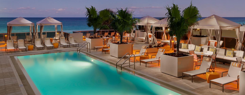 Auf dem Hotelgelände befinden sich zwei Pools