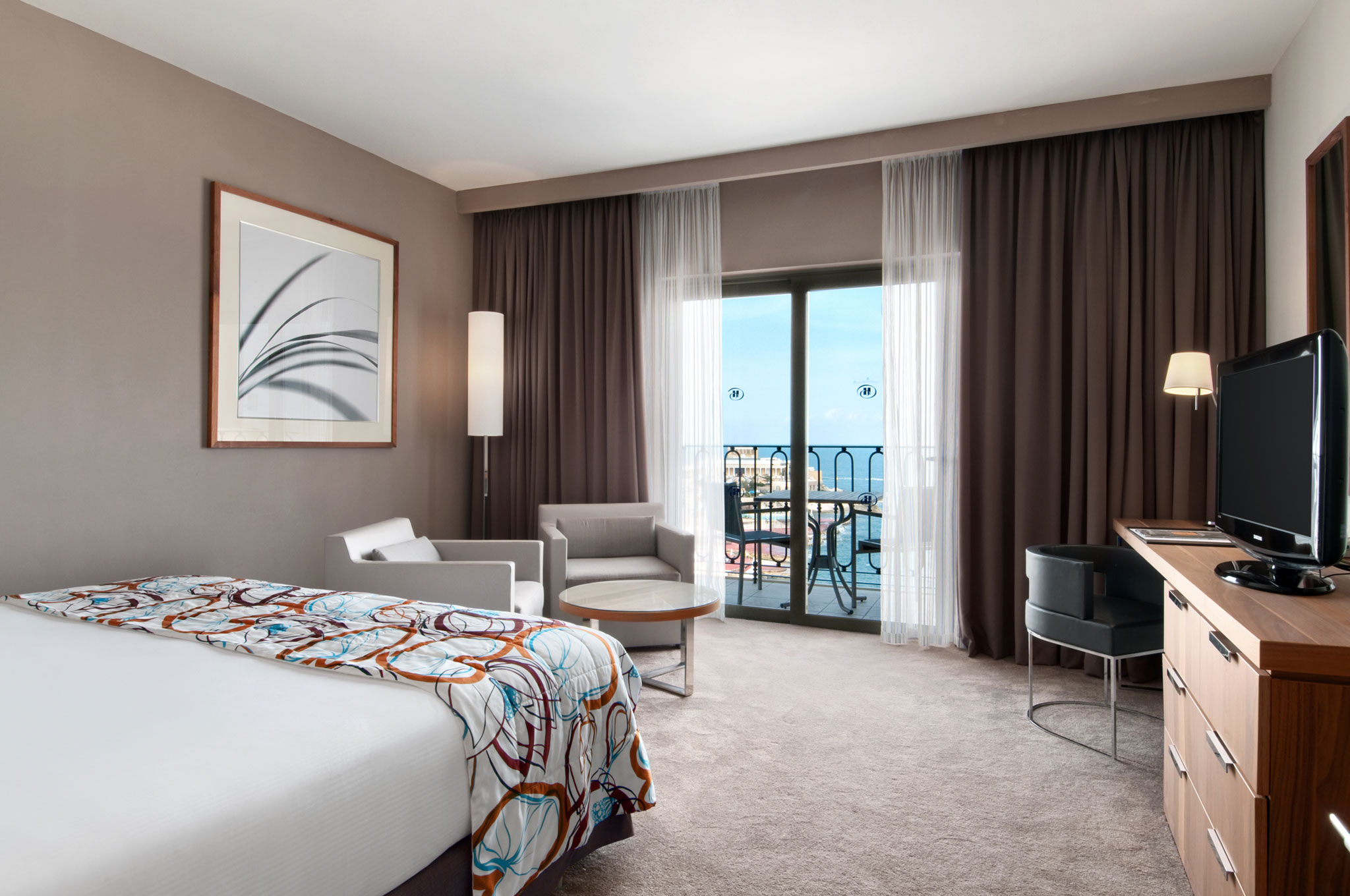 Hilton Worldwide Hotels  U0026 Resorts