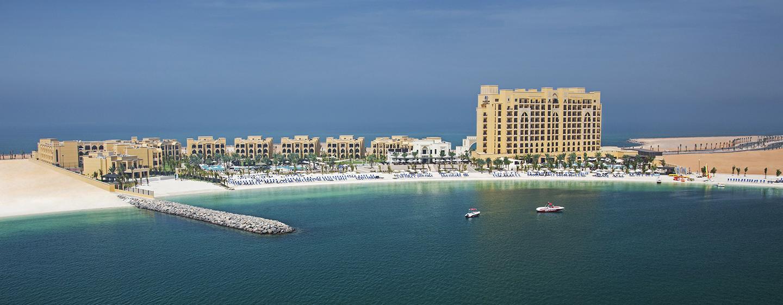 DoubleTree by Hilton Resort & Spa Marjan Island, Ras Al Khaimah, VAE – Luftansicht des Resorts
