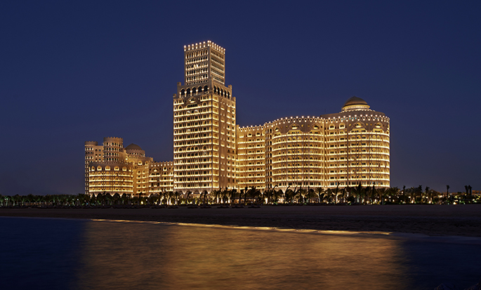 Waldorf Astoria Ras Al Khaimah hotel, VAE - Waldorf Astoria bei Nacht