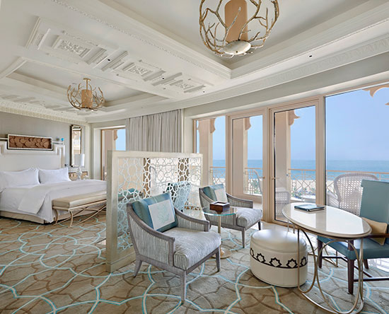Waldorf Astoria Ras Al Khaimah hotel, VAE - Deluxe Zimmer mit King-Size-Bett, Meerblick und Balkon