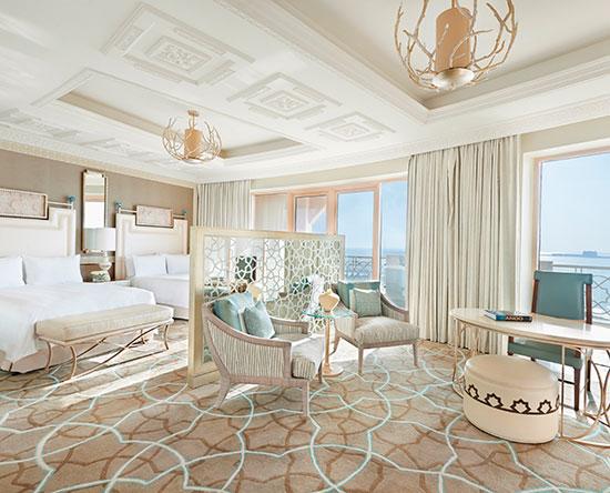 Waldorf Astoria Ras Al Khaimah hotel, VAE - Deluxe Zimmer mit zwei Queen-Size-Betten, Meerblick und Balkon