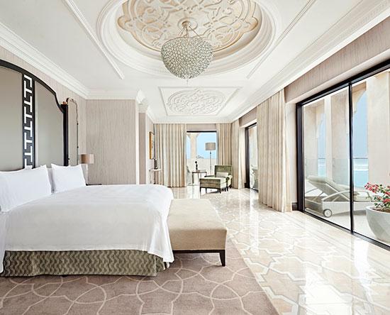 Waldorf Astoria Ras Al Khaimah hotel, VAE - Imperial Suite mit King-Size-Bett, Balkon und Ausblick