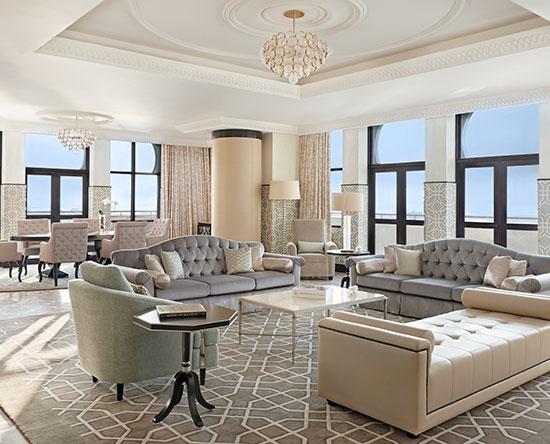 Waldorf Astoria Ras Al Khaimah hotel, VAE - Royal Suite mit King-Size-Bett, Balkon und Ausblick