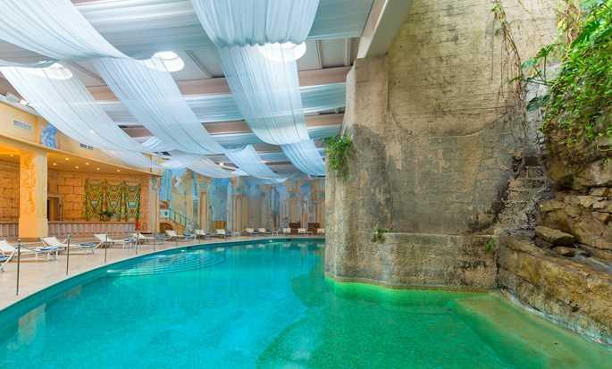 Hilton Sorrento Palace, Italien – Innenpool