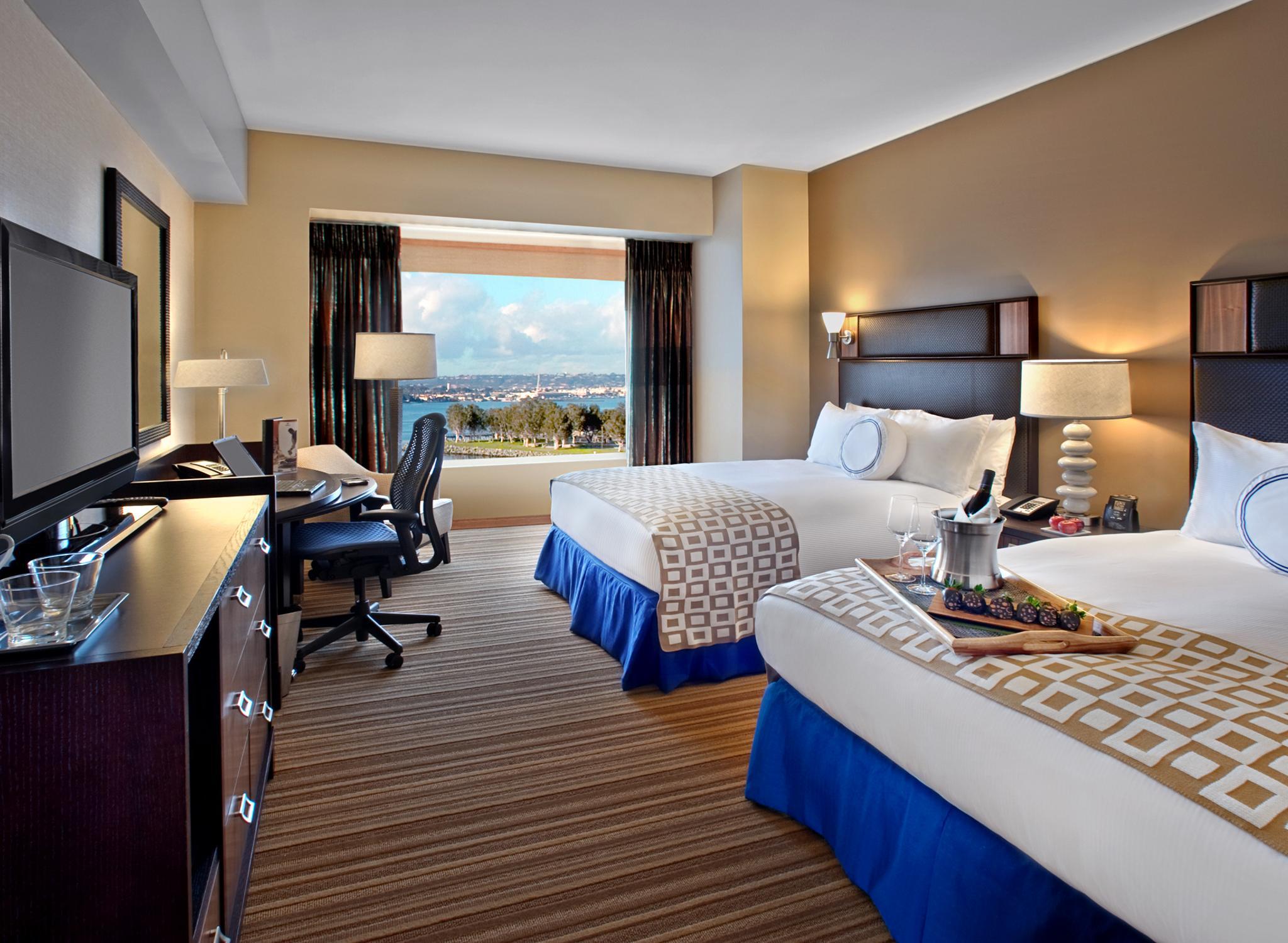 Hilton San Diego Bayfront Spa Aquazul