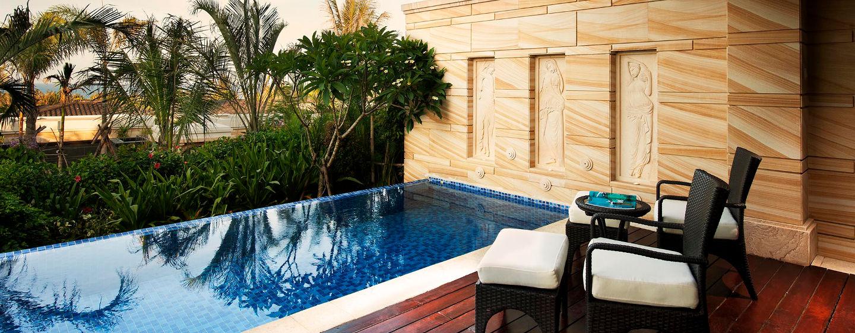 Von Ihrer privaten Terrasse können Sie in Ihr Tauchbecken springen