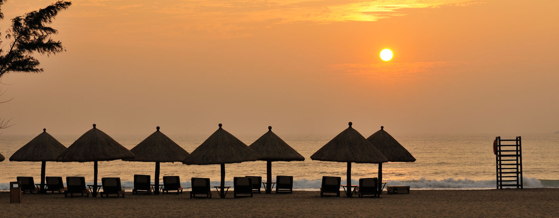 Den Sonnenuntergang können Sie am resorteigenen Privatstrand bewundern