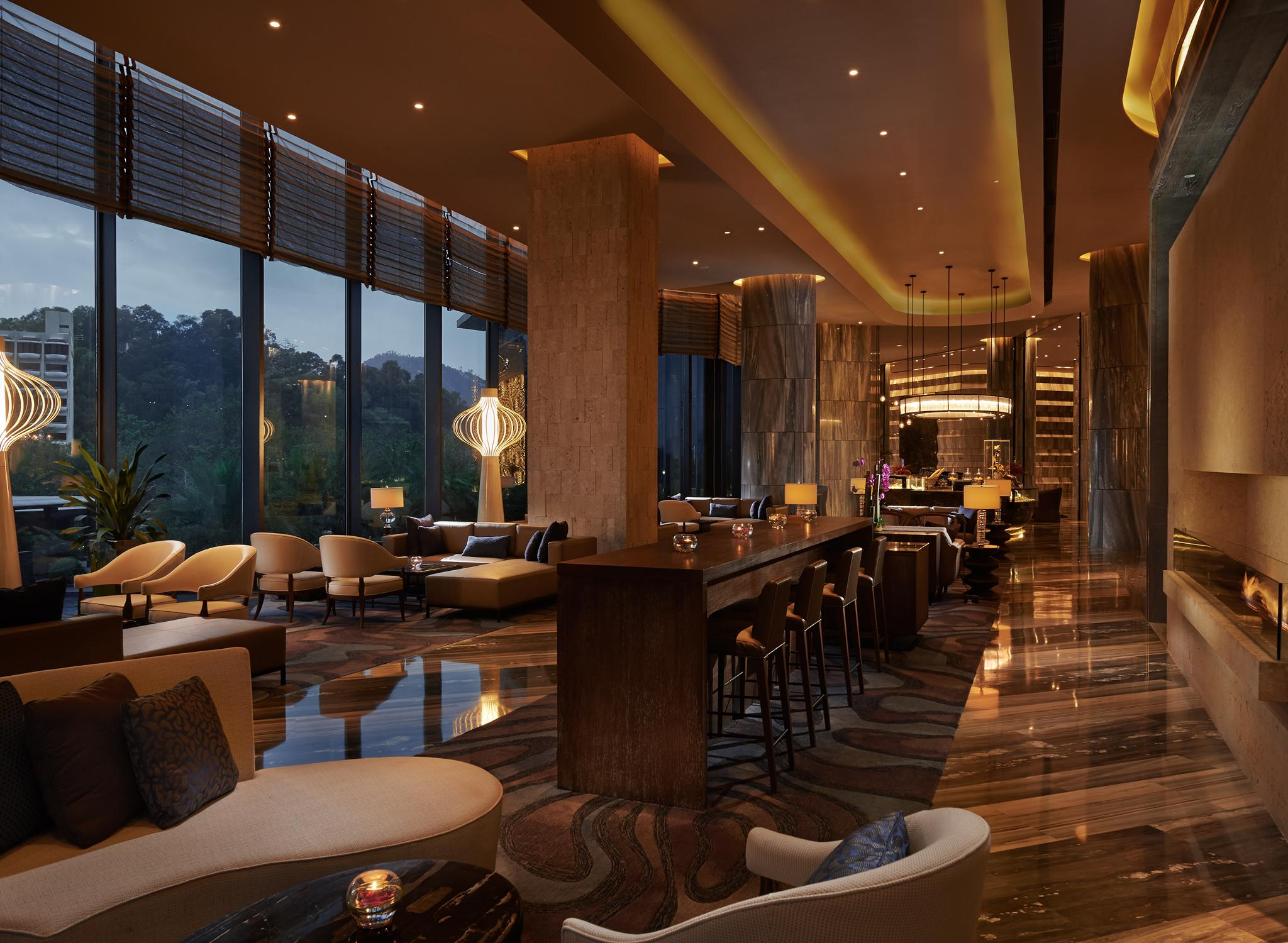 Hilton Worldwide Hotels  U0026 Resorts In China