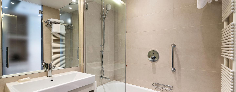 Hilton Garden Inn Venice Mestre San Giuliano Hotel, Italien – Badezimmer eines Standard Zimmers
